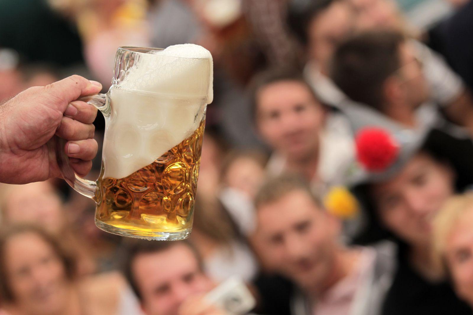 NICHT VERWENDEN English Beer Stein Attacks