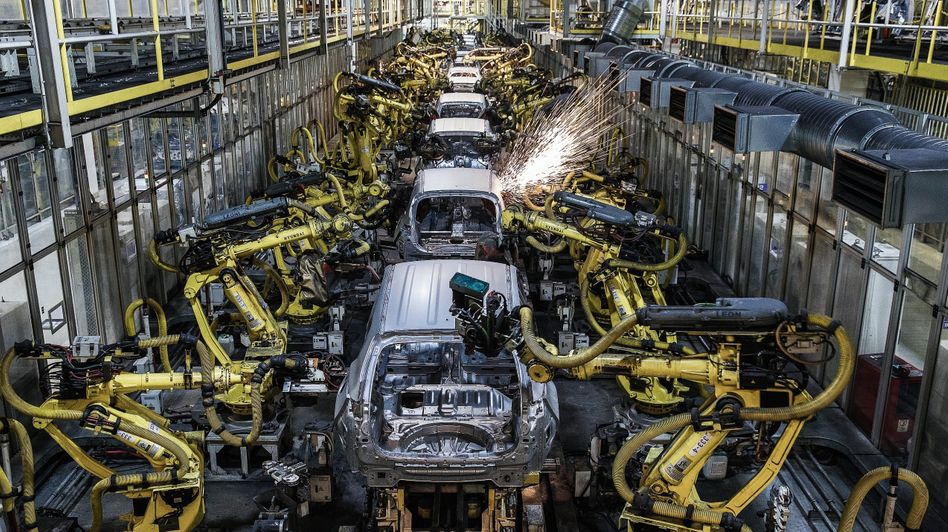 Autofabrik von Hyundai in der Slowakei: Der Durchmarsch der Roboter ersetzt Niedriglöhner in Asien