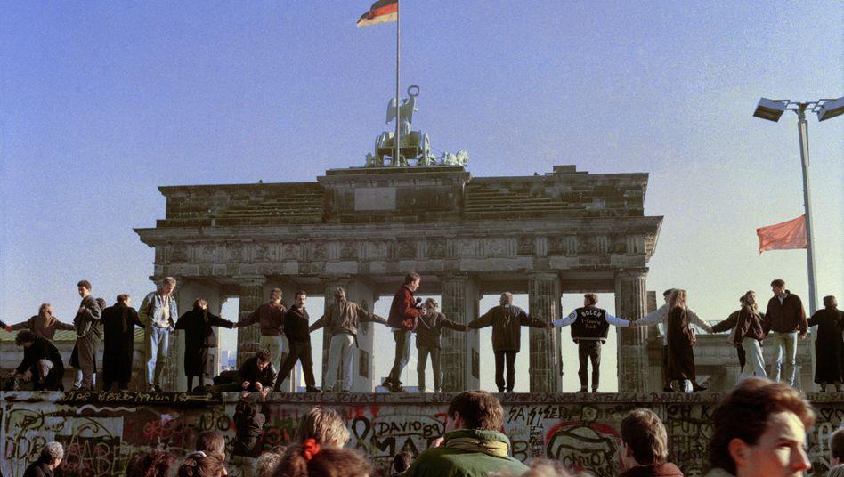 Tanz auf der Mauer (10. November 1989)