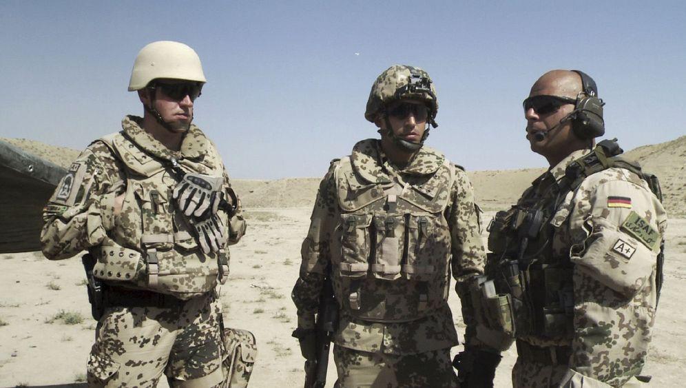 """ZDF-Dokumentarfilm: """"Schulter an Schulter"""" im afghanischen Staub"""