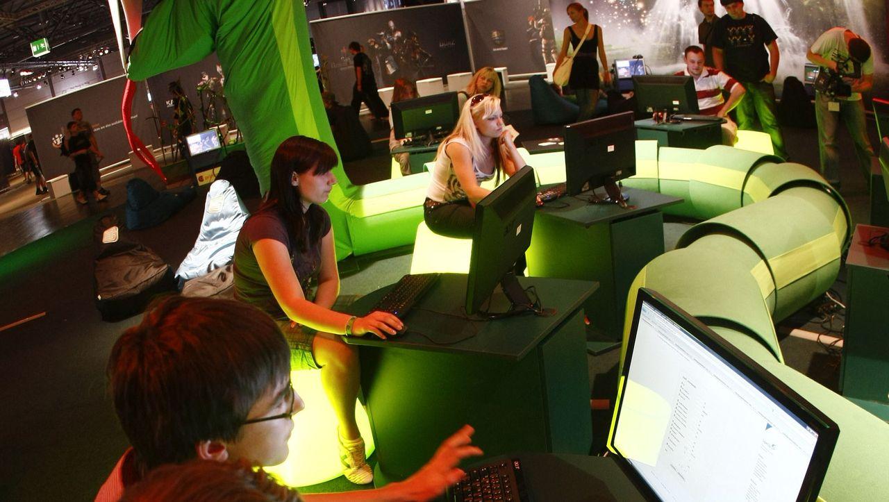 Sozialkontakte übers Internet: Online entdecken, offline treffen - DER SPIEGEL