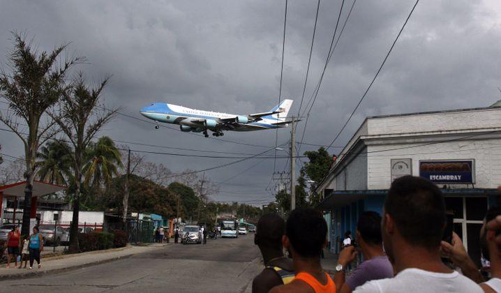 Heute undenkbar: Landanflug der Air Force One im Jahr 2016 mit dem damaligen US-Präsidenten Obama an Bord