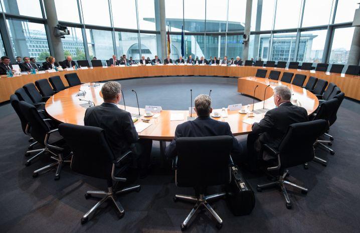 Anhörung der Geheimdienste-Chefs durch das Kontrollgremium