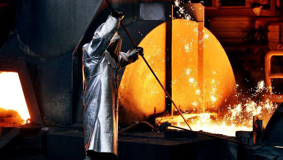 Stahlproduktion bei ThyssenKrupp: Klage gegen Almunias Pläne