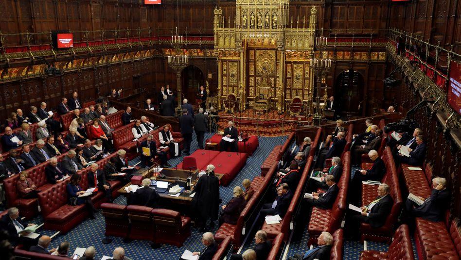 Lords geben nach: Britisches Parlament ratifiziert Brexit-Abkommen