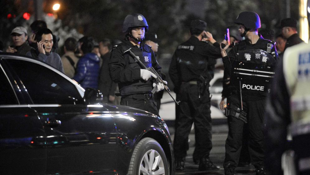 Attacke in Kunming: Verwaiste Bahnhofshalle, verstreutes Gepäck