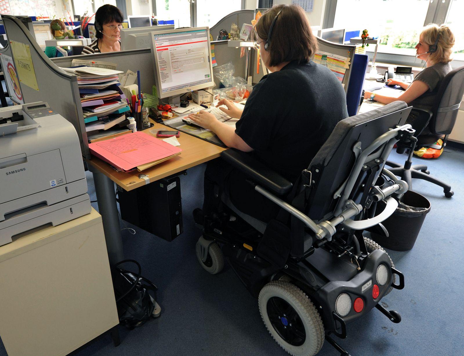 Mehr Behinderte mit regulärer Arbeit