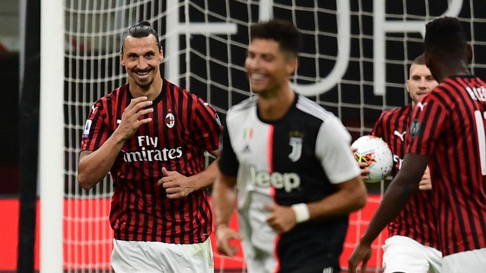 Zwei Superstars unter sich: Zlatan Ibrahimovic (l.) und Cristiano Ronaldo