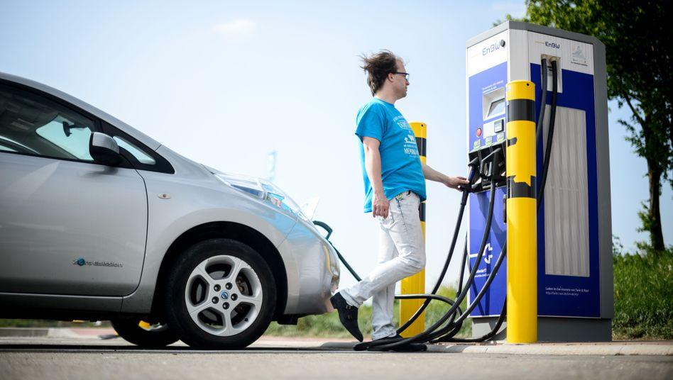 Der Kauf von Elektro- und Hybridautos wird in Deutschland in unterschiedlicher Höhe gefördert