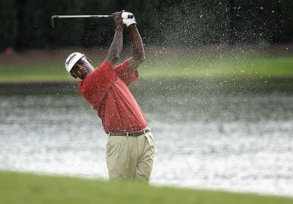 Golfprofi Vijay Singh bei Turnier in Atlanta (2008): Ohrstöpsel wohl ein bisschen zu radikal