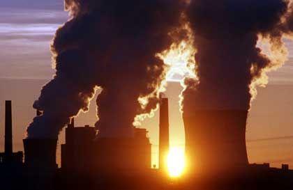 Luftverschmutzung (Braunkohlekraftwerk Neurath): Immer weniger Sonnenlicht erreicht die Erdoberfläche