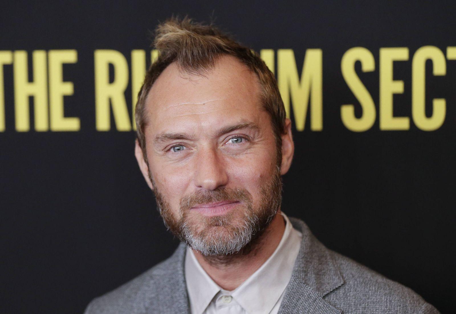 Warum Jude Law Standig Weinen Musste Als Er Vater Wurde Der Spiegel