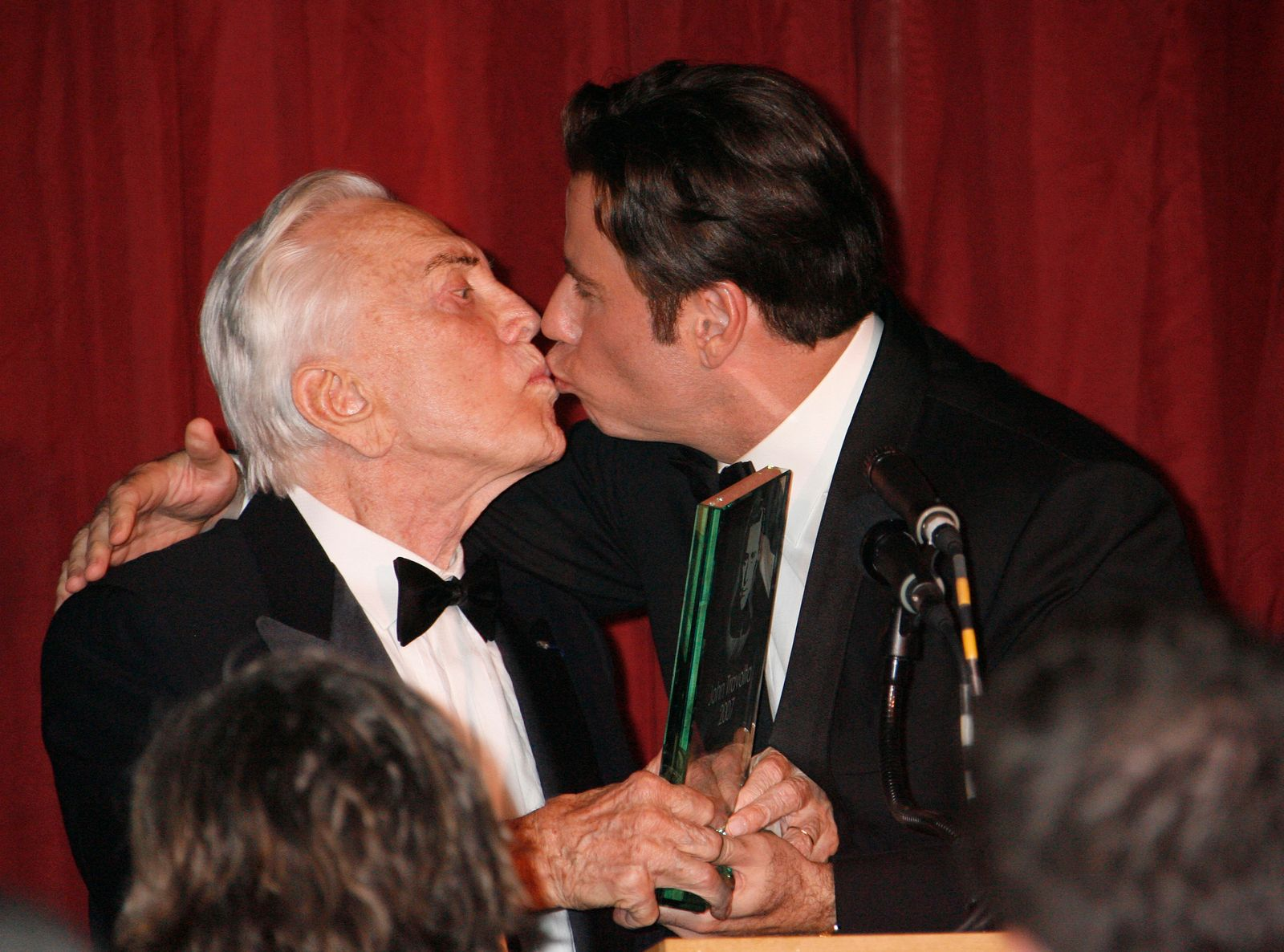 Kirk Douglas, John Travolta