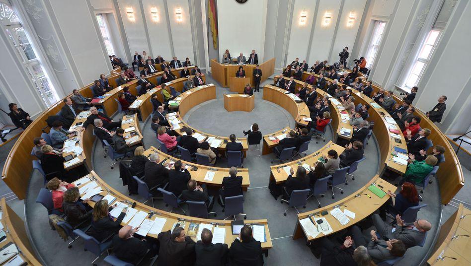 Mainzer Landtag: Sexuelle Kontakte zwischen Lehrern und Schülern unzulässig