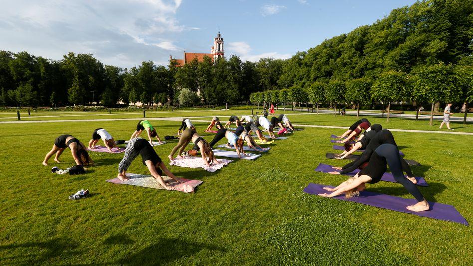 Yoga erlaubt, Strand verboten: Die Nutzung des Lukiskes-Platz in Vilnius steht landesweit zur Diskussion