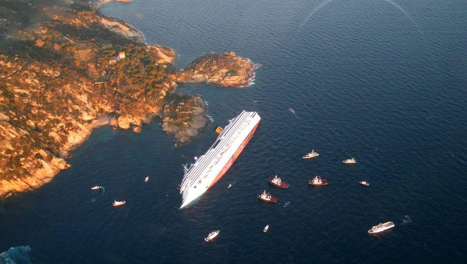 """Havarierte """"Costa Concordia"""": 32 Todesopfer nach ungewöhnlichem Manöver"""