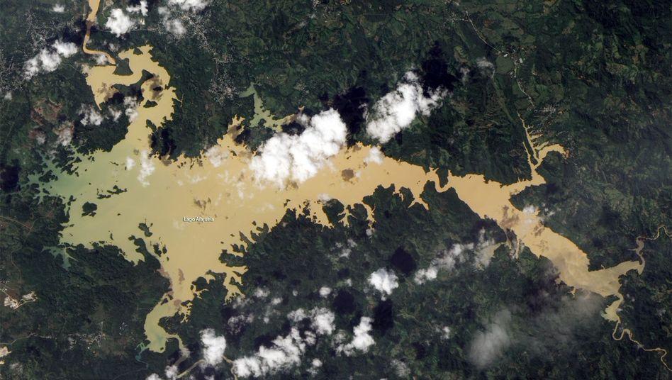 Satellitenbild: Der Lago Alajuela dient als Wasserreservoir für den Panamakanal
