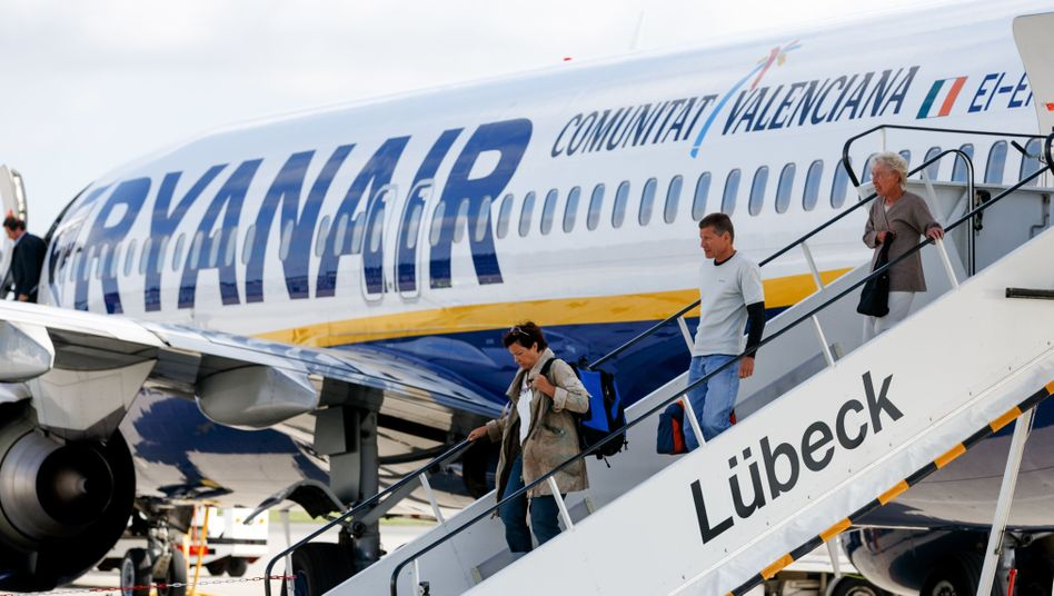 Ryanair-Maschine am Flughafen Blankensee bei Lübeck