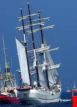 """Auch das niederländische Segelschiff """"Artemis"""" startete zur Regatta auf der Ostsee"""