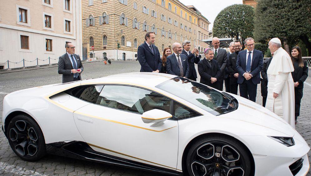 Lamborghini für den Papst: Gesegnete Karre