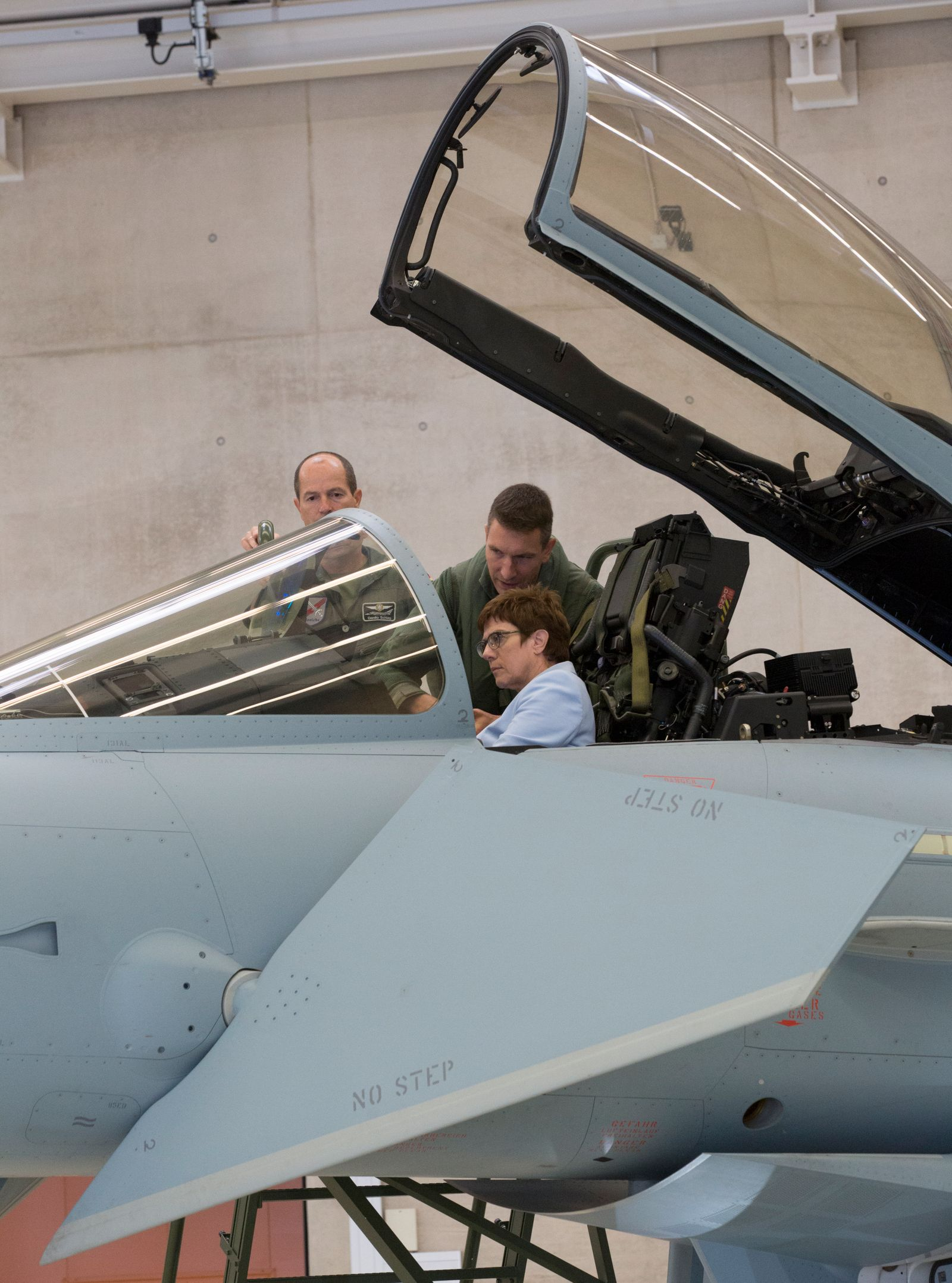 Inaugural isit of the Federal Minister of Defense Annegret Kramp Karrenbauer (CDU) to the tactical air force Squadron 31