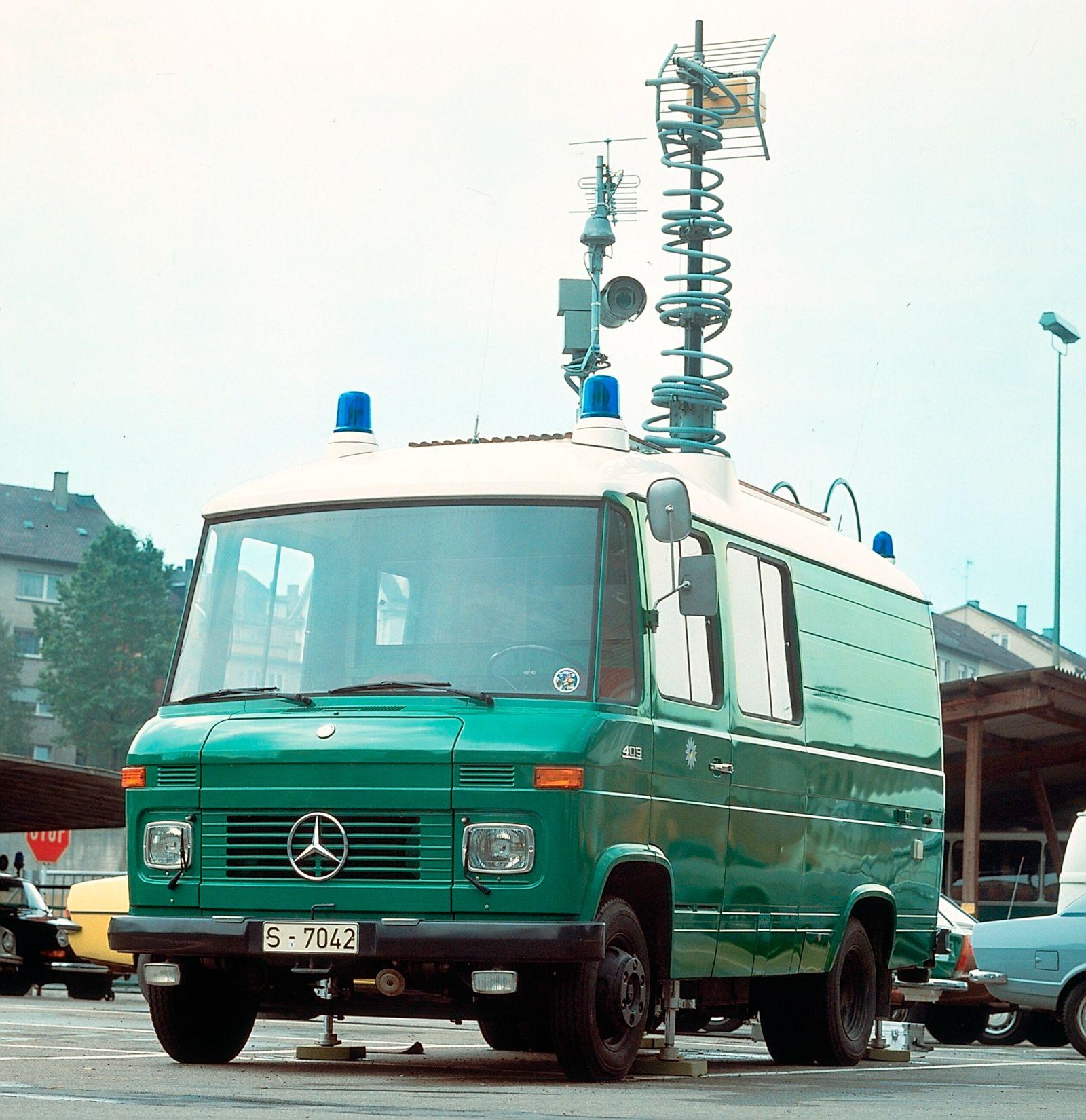 Mercedes-Benz L 409