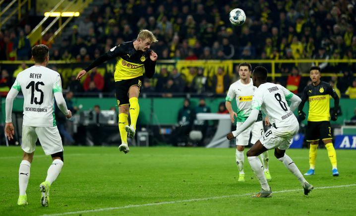 Der Moment des Pokal-Abends: Julian Brandt trifft für den BVB per Kopf