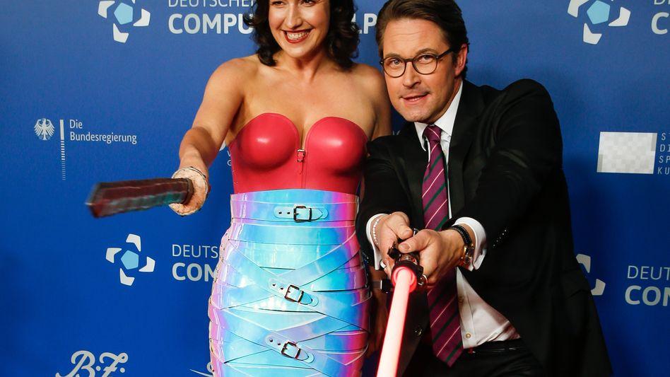Dorothee Bär und Andreas Scheuer beim Deutschen Computerspielpreis: Was wurde aus den Förderplänen?