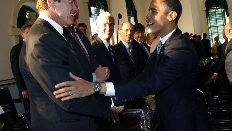"""California Governor Arnold Schwarzenegger and then president-elect Barack Obama in a December 2008 archive photo: """"I assume that Obama will get a second term in office."""""""