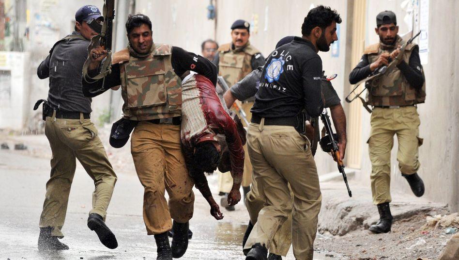 Angriff in Lahore: Taliban richten Blutbad in Moscheen an