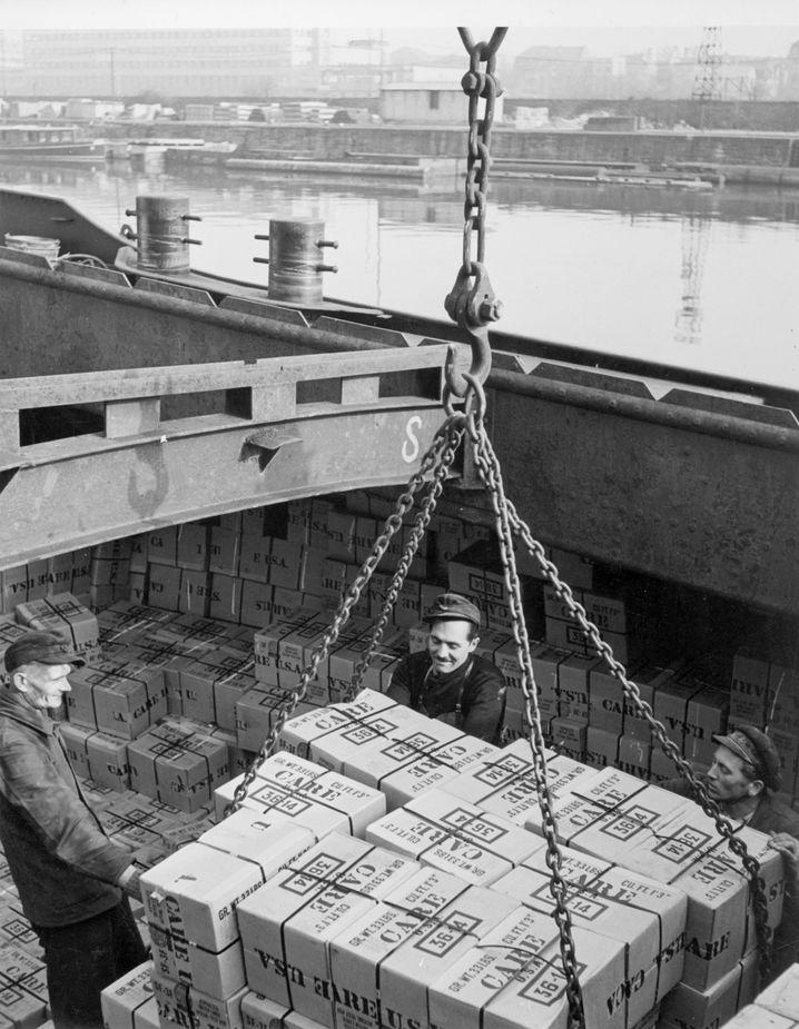 Amerikanische Hilfslieferungen in Bremerhaven Ende der Vierzigerjahre