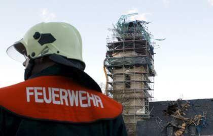 Schäden auch in Ostdeutschland: Abgestürzter Kirchturm im thüringischen Stotternheim