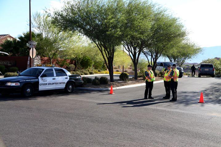 Polizei vor dem Paddock-Wohnsitz in Mesquite im Bundesstaat Nevada