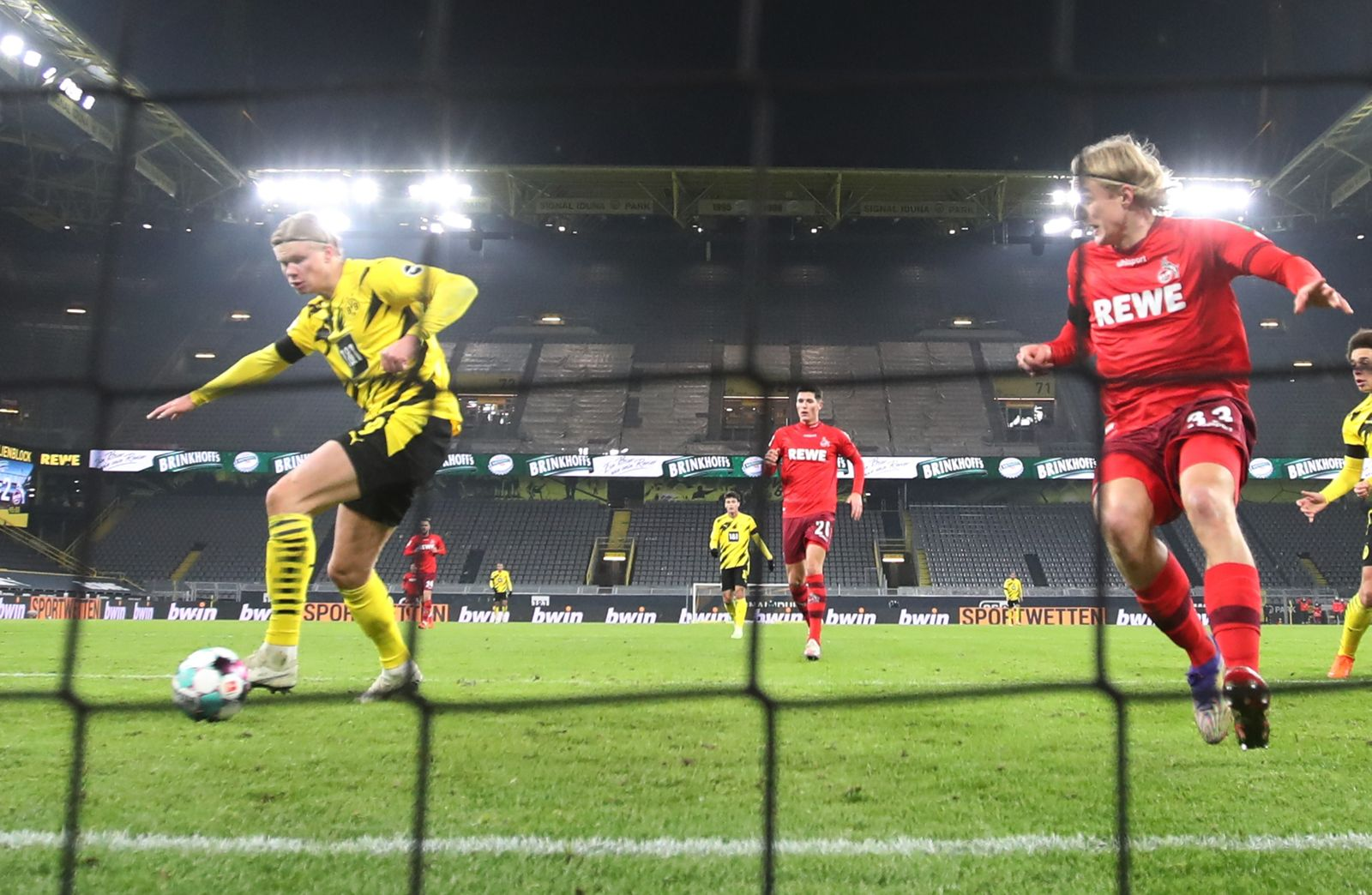 Borussia Dortmund vs. 1. FC Cologne, Germany - 28 Nov 2020