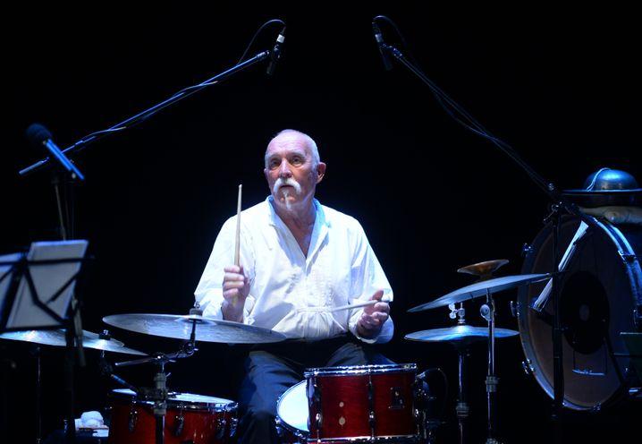 Schlagzeuger Günther Baby Sommer