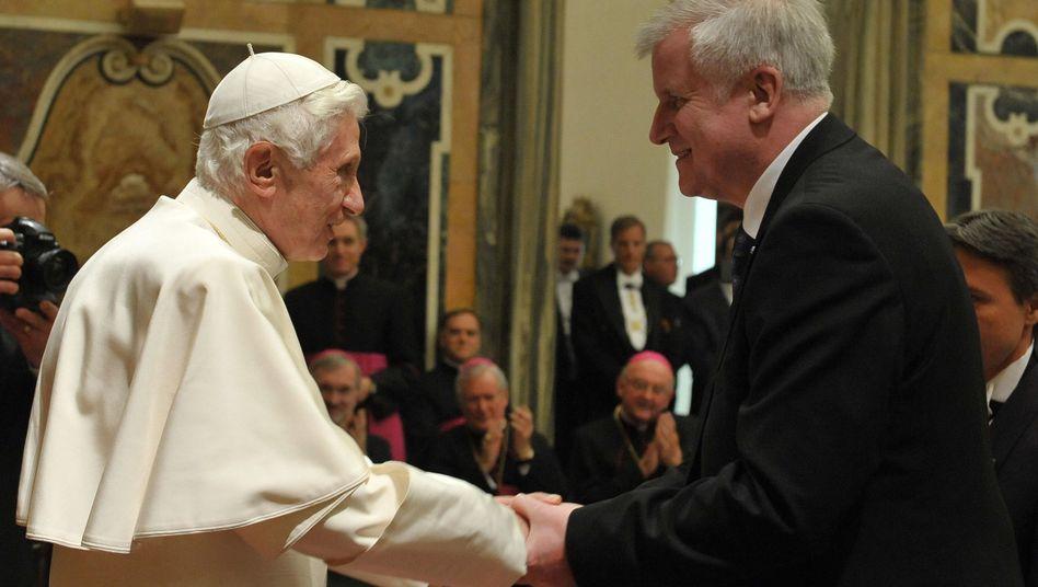 Papst Benedikt XVI, wiederverheirateter Seehofer: Streitfrage Kommunion