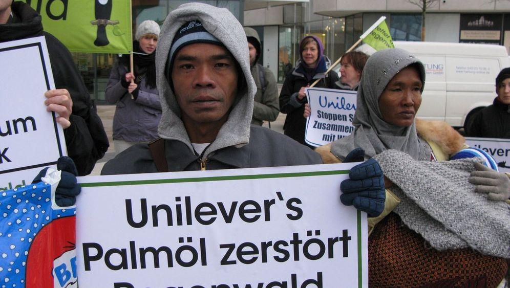 Palmöl: Proteste gegen Unilever