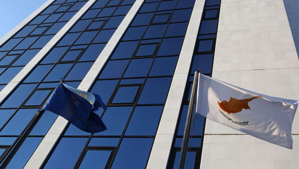 Zypern: Land im Abwärtsstrudel
