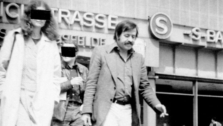 Ost-Berlin-Besucher Grass (Stasi-Foto von 1978): Traum vom demokratischen Sozialismus