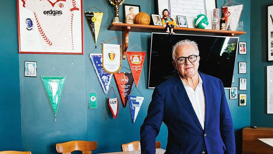 Präsident Keller in seinem Restaurant Rebstock in Oberbergen 2020: gedroht, Curtius zu »vernichten«