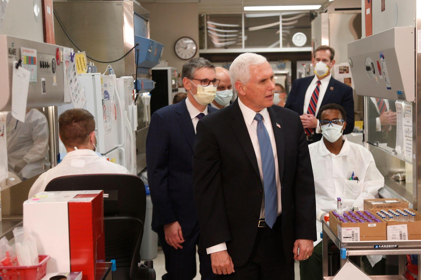 Pence bedauert Verzicht auf Maske bei Klinikbesuch