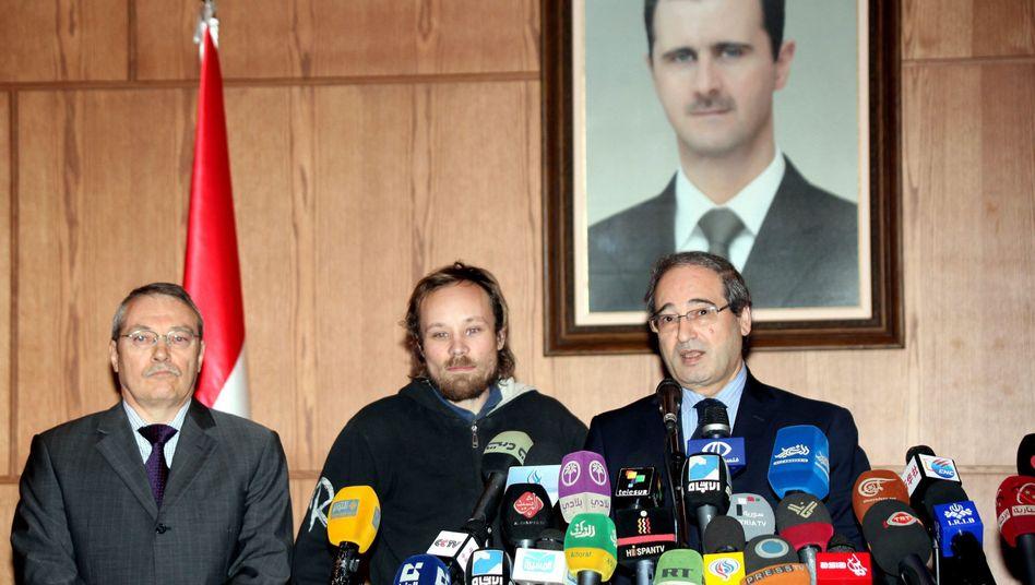 Russlands Botschafter Kulmohammadov, Six, Syrischer Vizeaußenminister Mekdad: Frei