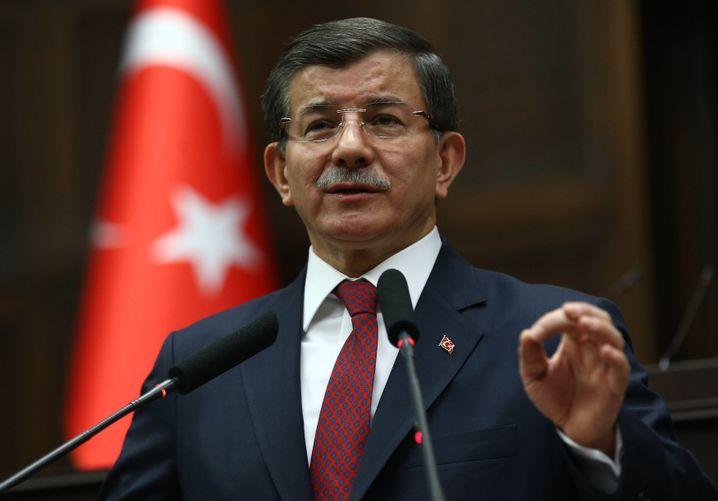 Ex-Premier Davutoglu