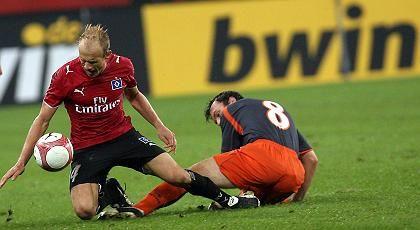 Spiel in der AOL-Arena, Bwin-Werbung: Auch TV-Sender und Bundesliga-Vereine verärgert