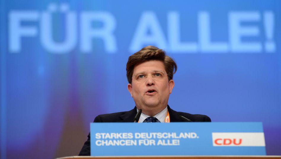 """Ex-Staatsminister Klaeden: """"Kein Zusammenhang mit einer Spende"""""""