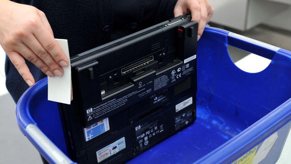 Sprengstofftest an einem Laptop (Archivbild)