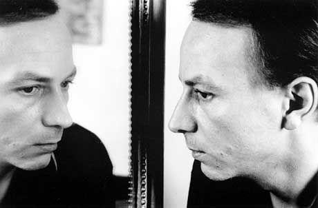 Popstar-Pose: Dichter, Autor und Pessimist Houellebecq