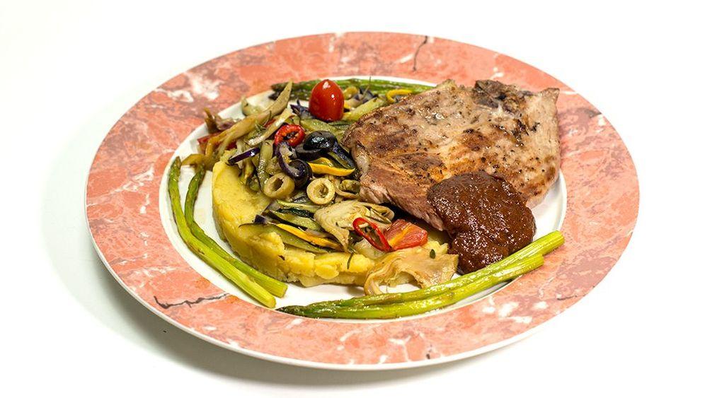 Zubereitung: Kotelett mit mediterranem Gemüse-Kartoffelpüree