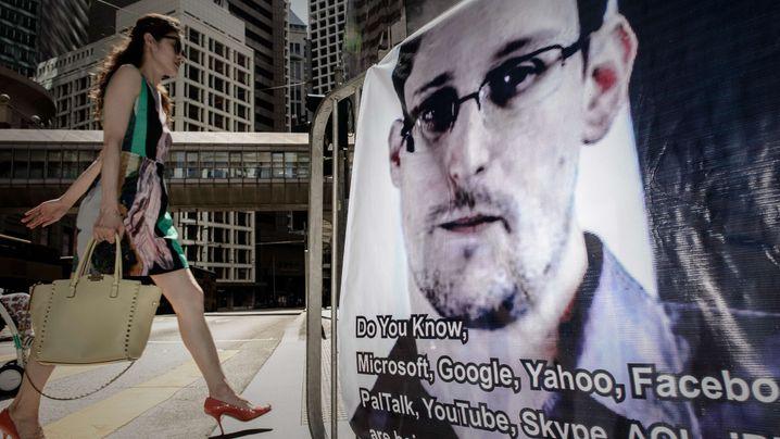 Photo Gallery: Snowden Interview Puts Pressure on Berlin
