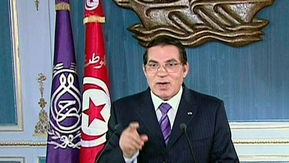 Zine al-Abidine Ben Ali kurz vor seiner Entmachtung im Jahr 2011 bei einem Auftritt im Staatsfernsehen